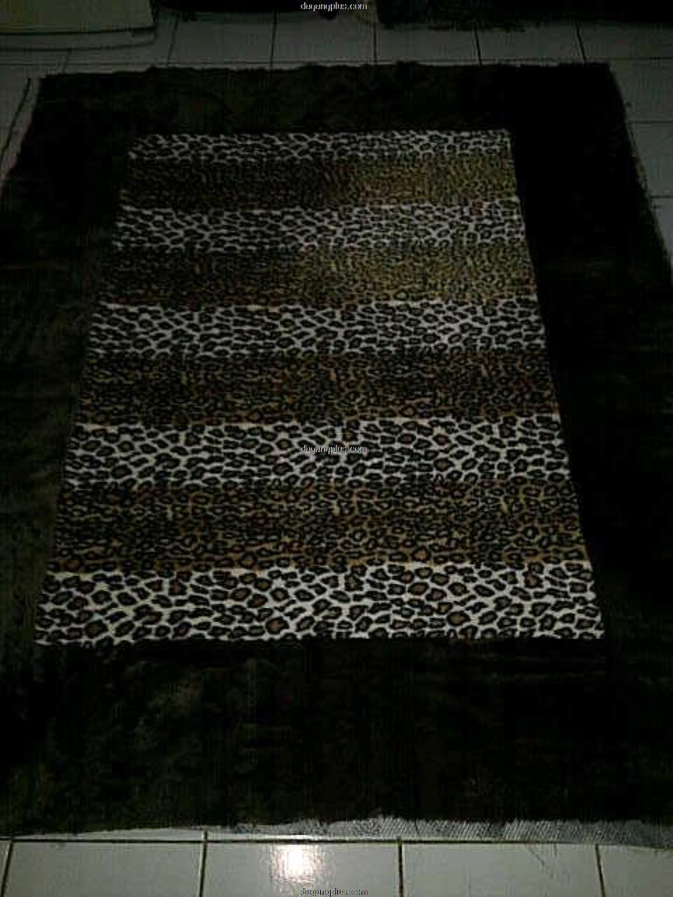 Karpet Bulu Halus Motif Kombinasi Leopard Coklat - Putih