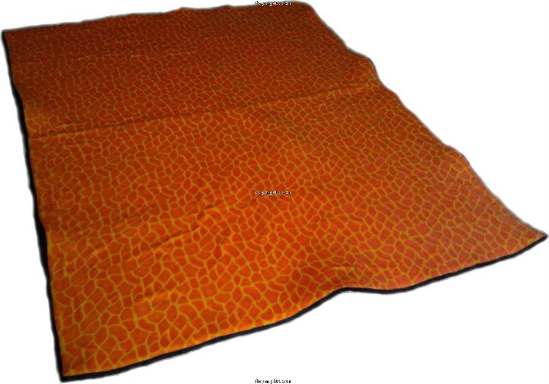 Karpet Bulu Halus Motif Hewan Jerapah Orange